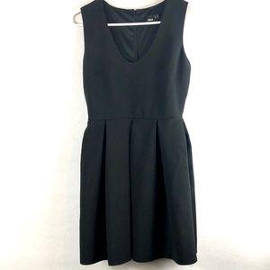 ASOS black dress sleeveless size 6 pleaded skirt